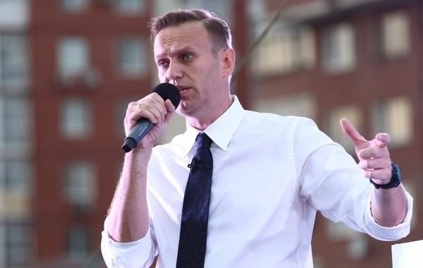 Навальный ответил на предположение Путина о том, что он сам принял яд