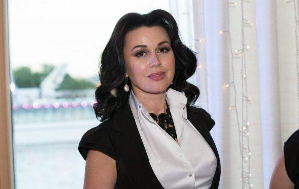 Анастасия Заворотнюк не может полностью победить онкологию