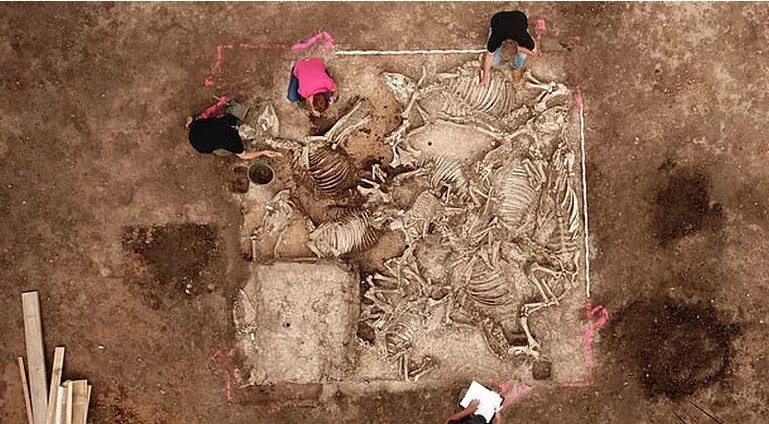 В Германии обнаружена гробница со странно расположенными телами