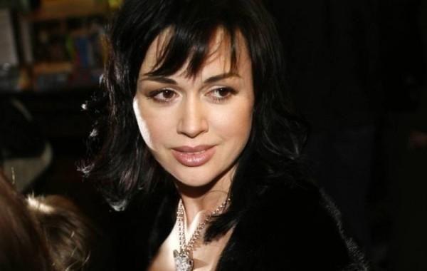 В больнице рассказали, как сейчас выглядит Анастасия Заворотнюк
