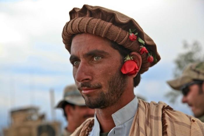 Что за странные головные уборы носили моджахеды