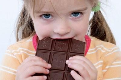 Эксперты назвали продукты, которые нельзя давать детям зимой