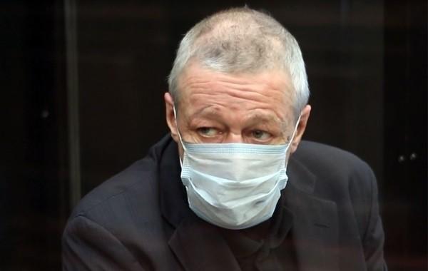 Михаил Ефремов потерял надежду на уменьшение тюремного срока