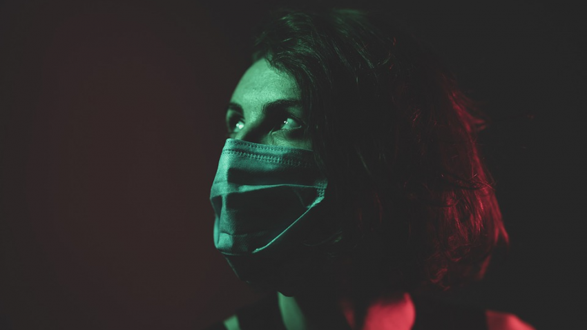 Женщины меньше страдают от коронавируса: ученые объяснили почему