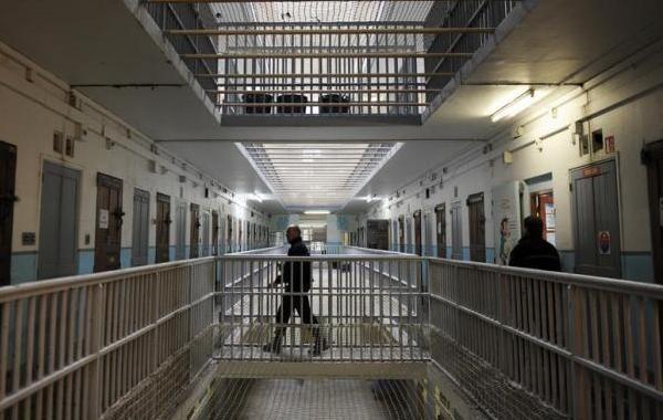 Уголовную амнистию в России перенесли на неопределенный срок