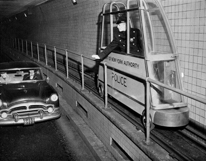 Гигантский фотоаппарат, полицейский электропоезд: ТОП-6 необычных изобретений