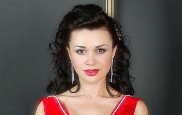 Сосед Заворотнюк заявил о победе актрисы над раком