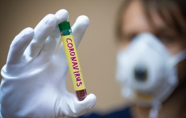 Эксперт заявил, что новый штамм коронавируса уже завезен в Россию