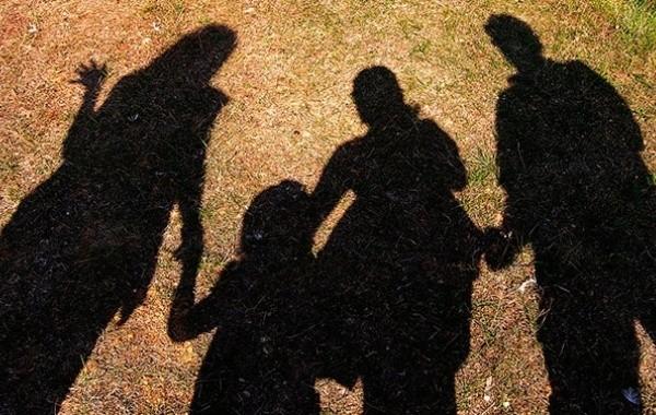 Россияне с детьми до 16 лет надеются на выплату в размере 10 тысяч рублей перед Новым годом