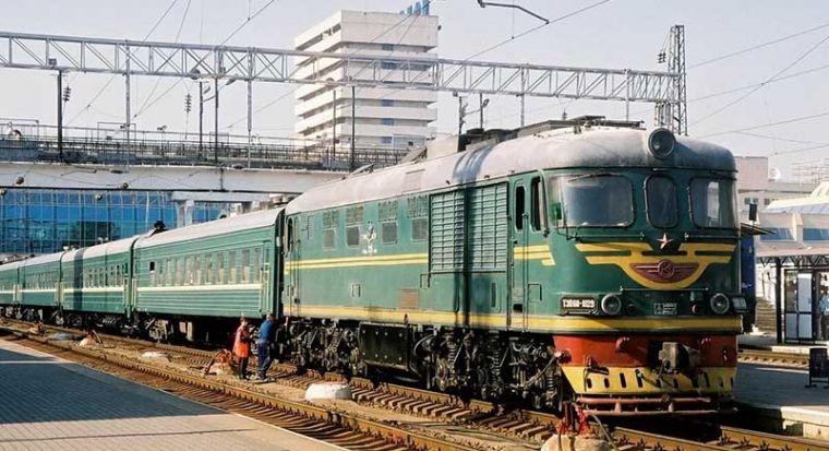 Почему в СССР поезда были зеленые: экономия против эстетики