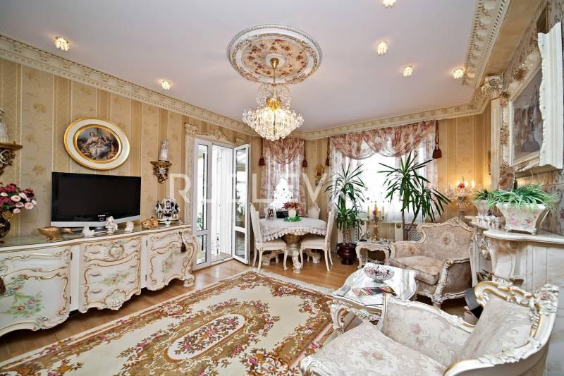 Почему дом на Рублевке Маши Распутиной называют замком