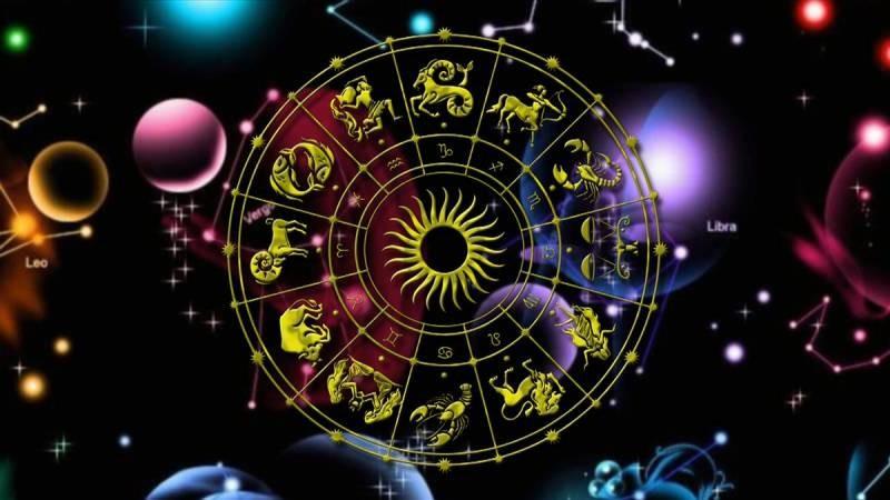 Гороскоп по всем знакам зодиака на 7 января 2021 года подскажет как хорошо провести Рождество