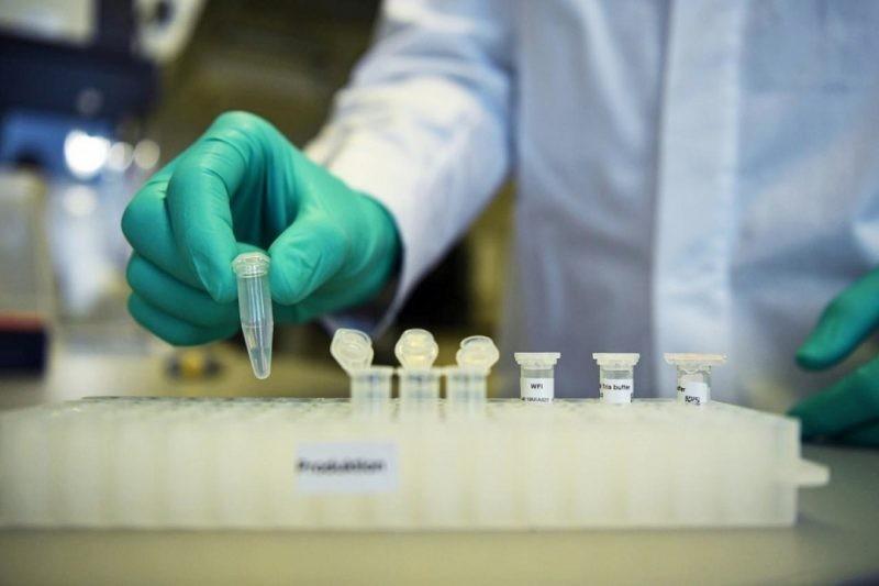 Владимир Путин поручил правительству заняться подготовкой сертификатов от коронавируса