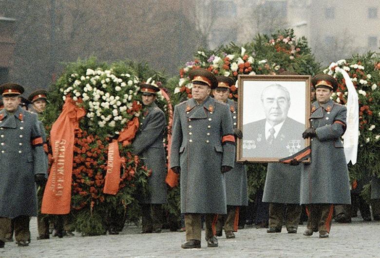 Похороны Брежнева обросли мифами