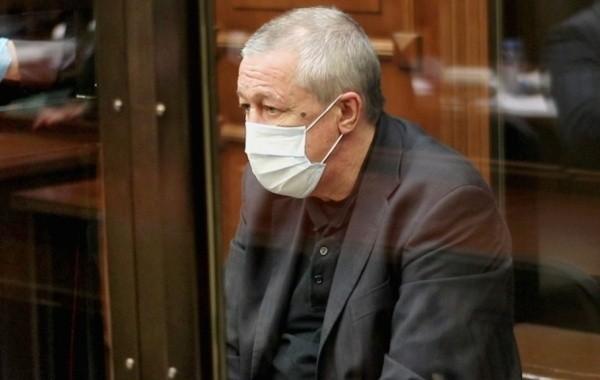 Адвокат Ефремова рассказал о том, как живет артист в тюрьме