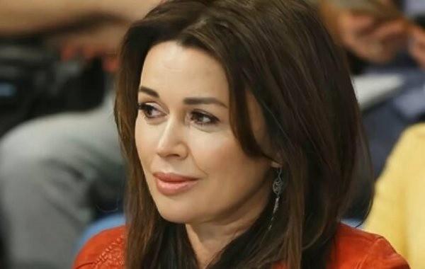 Дочь Анастасии Заворотнюк призналась, что актриса тяжело больна