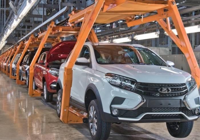 АвтоВАЗ поднял стоимость всех автомобилей с 15 января 2021 года