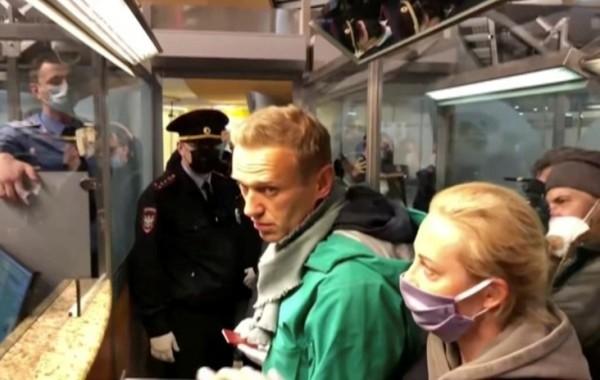 """Навального задержали в аэропорту """"Шереметьево"""""""