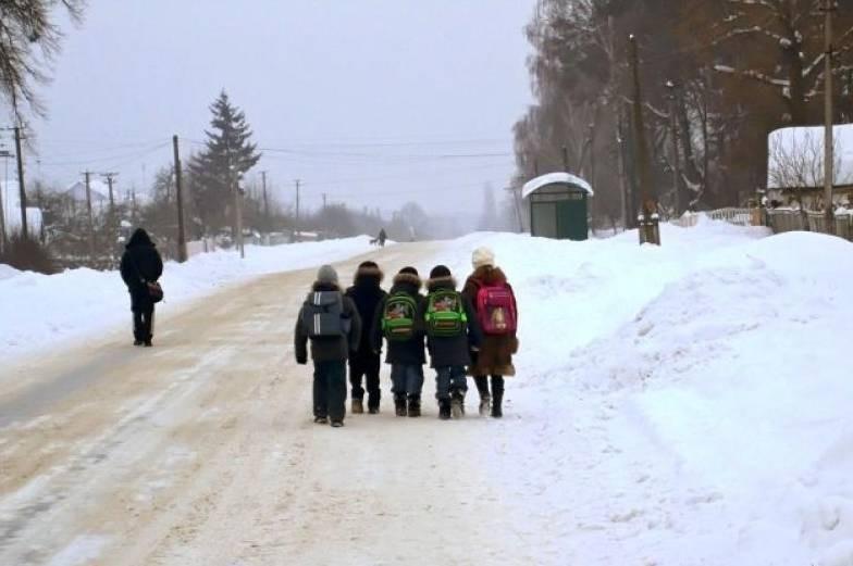 В какие морозы российские дети имеют право не ходить в школу