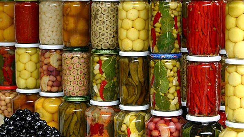 Смертельные бактерии ботулизма могут находиться в домашней консервации