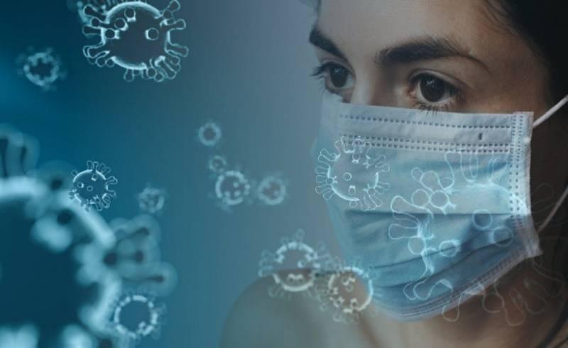 Медики призывают не снимать маски тех, кто прошел вакцинацию от COVID-19