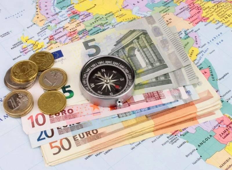 Эксперт рассказал, когда лучше закупать валюту на запланированные путешествия