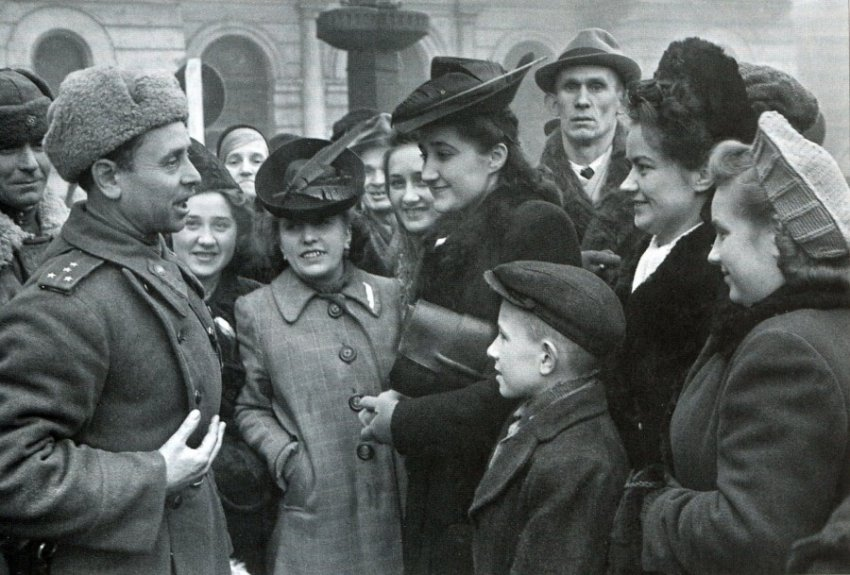 Каким днем в истории России и других стран было 12 января