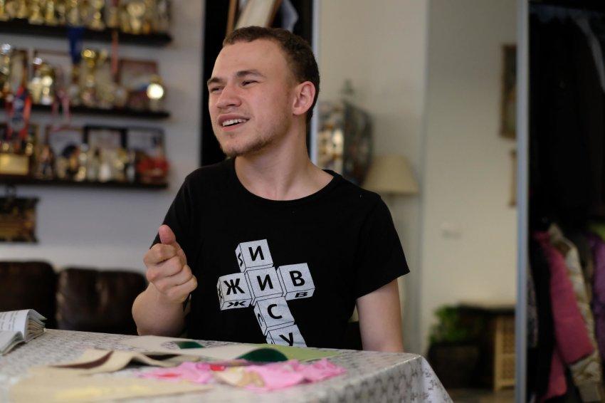 Как сложилась судьба Вити Козловцева, мальчика-маугли из Подольска