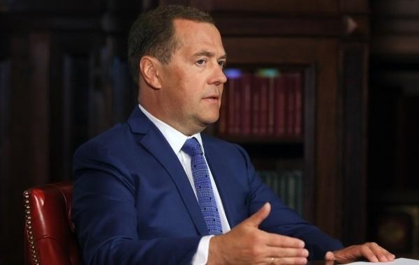 Медведев высказал свое мнение о Навальном