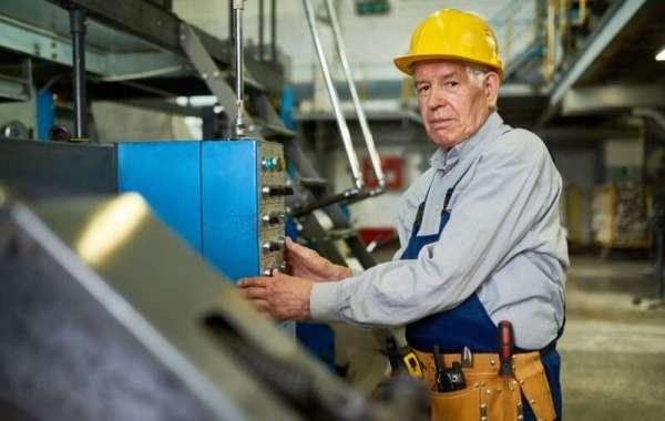 Названы три варианта индексации пенсий работающим пенсионерам