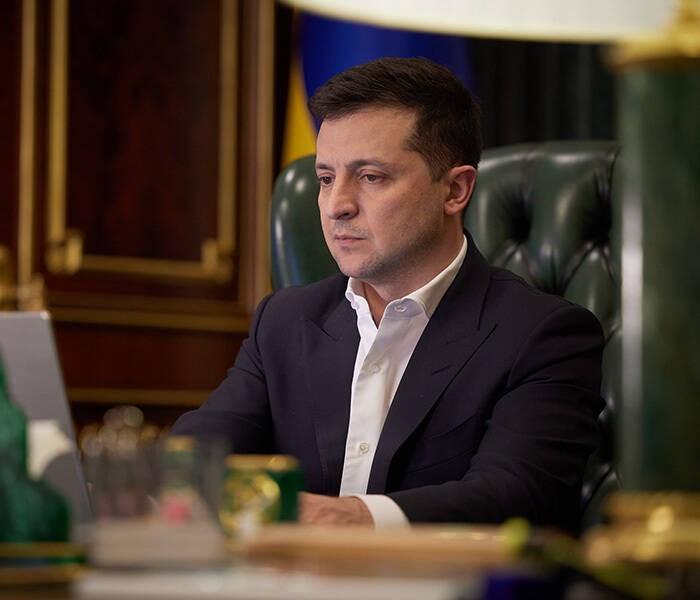 Украинская оппозиция начала процедуру импичмента Зеленского