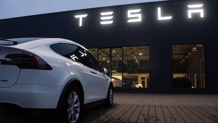 Зачем компания Tesla купила биткоины на 1,5 миллиарда долларов