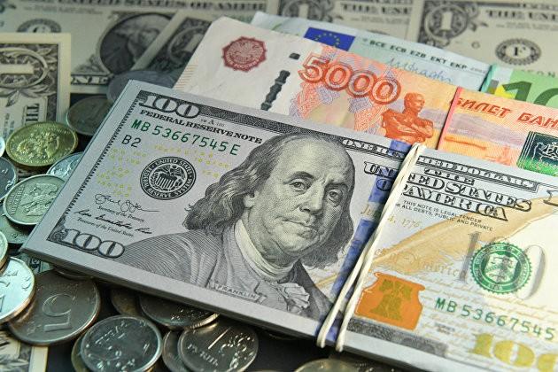 Геополитика вновь ударила по рублю: что происходит с валютой в России