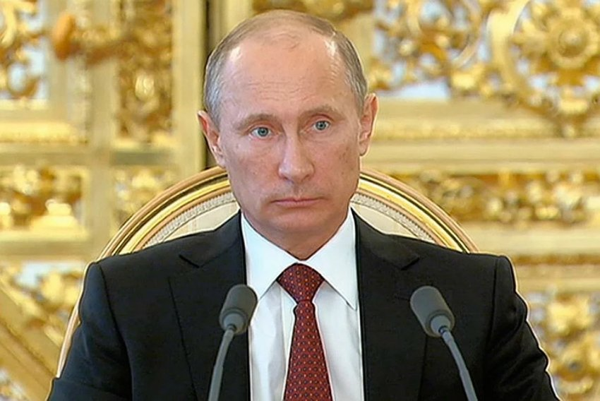 Владимир Путин провел Василия Ланового в последний путь букетом из роз