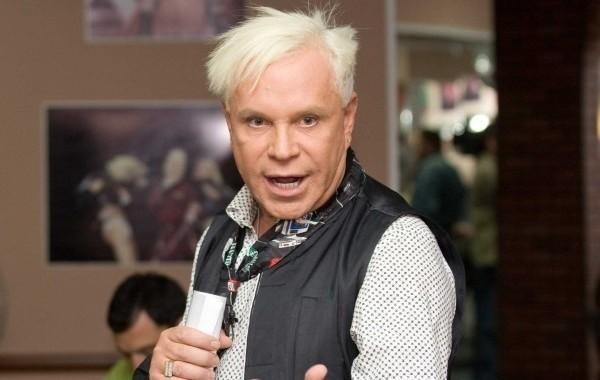 Директор Моисеева объяснил отказ артиста от финансовой помощи Пугачевой