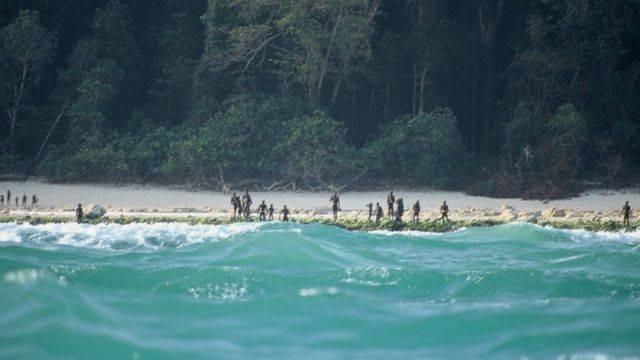 Почему туземцы с Северного Сентинельского острова убивают всех, кто к ним приплывает