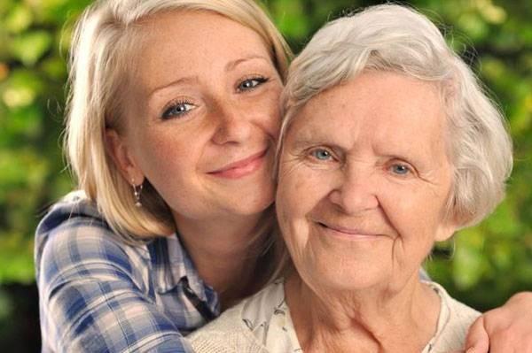 Что заставило молодую девушку взять из дома престарелых бабушку, и чем это закончилось
