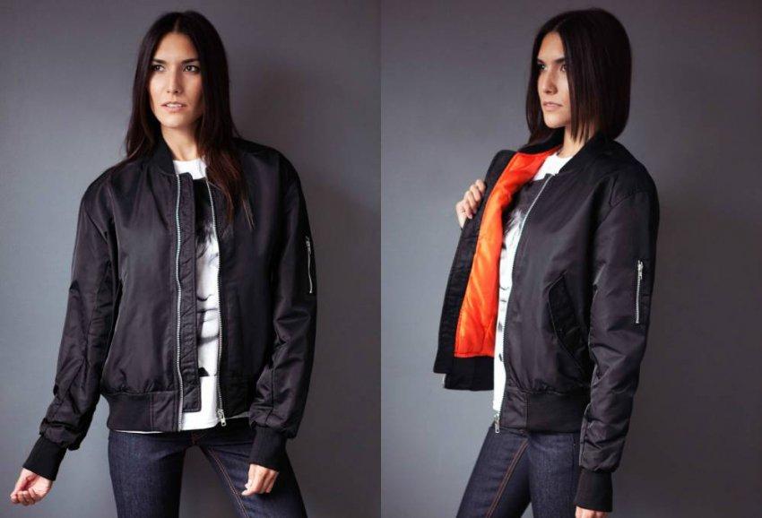 Названы теплые модные куртки на весну 2021 года