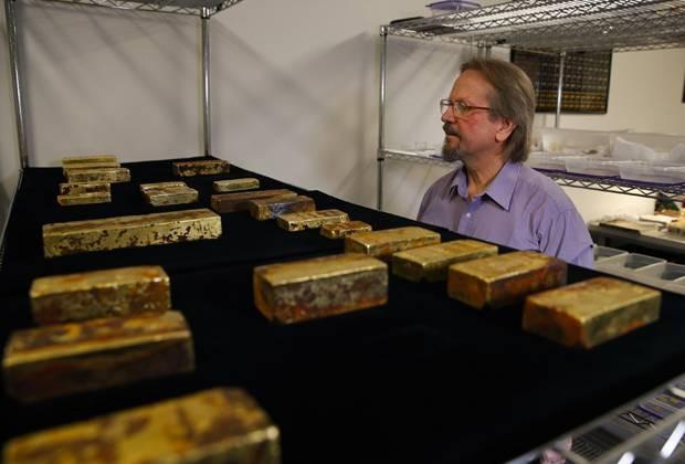 Томми Томпсон совершил невероятное — нашел самый крупный клад в истории Америки. Но сокровище «вышло боком». Оно сломало инженеру жизнь