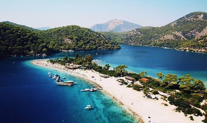 Вылеты в Турцию для россиян оказались под запретом: когда можно лететь в отпуск