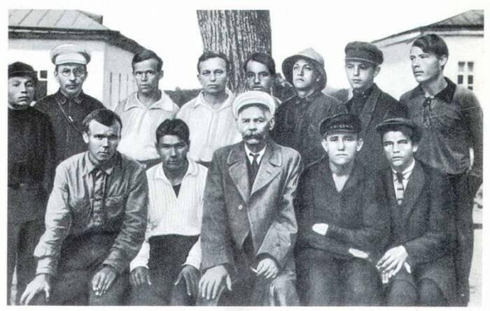 Антон Макаренко воспитал из бандитов нормальных людей, но его отстранили от управления колонией