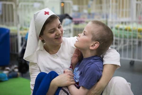 Как в России происходит возрождение традиций благотворительности