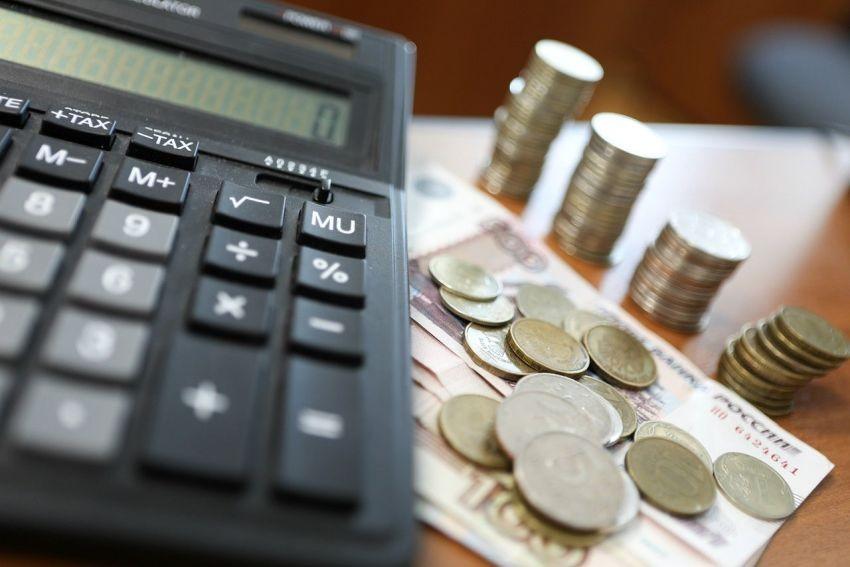 Какие праздничные дни оплачиваются гражданам РФ в двойном размере в мае 2021 года