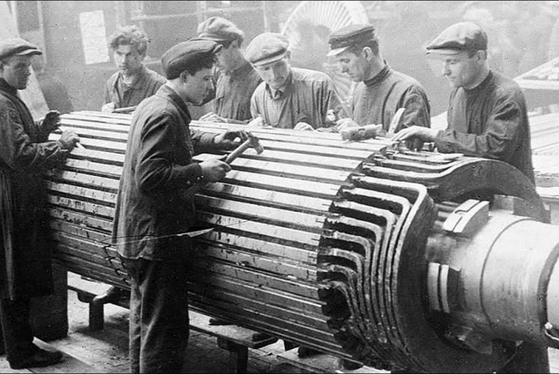 Полковник армии США в двадцатые годы стал героем сталинской индустриализации