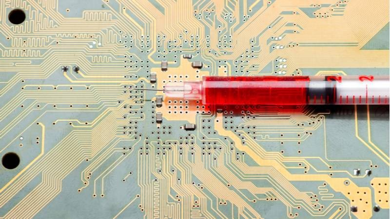 Обнаруживать коронавирус поможет чип в теле человека