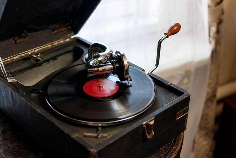 Развитие акустических систем в мире и в СССР