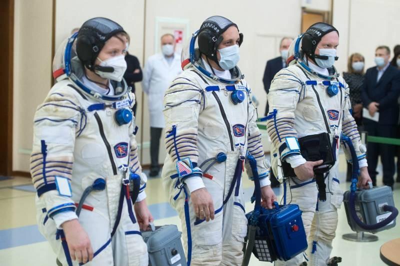 Роскосмос и NASA назвали будущих членов экипажа на МКС-66
