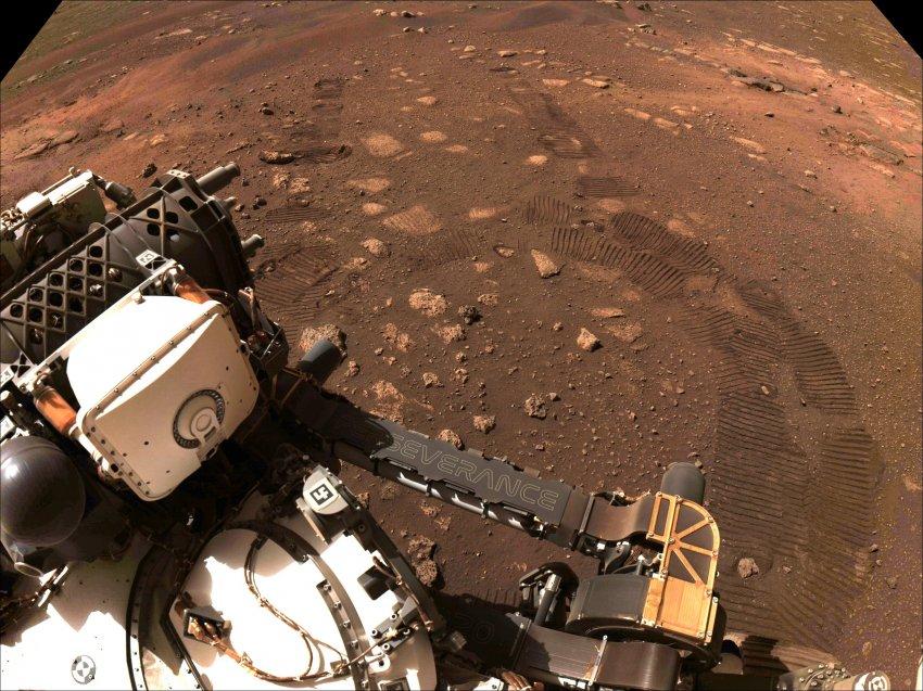Ученые NASA отложили первый полет вертолета на Марсе