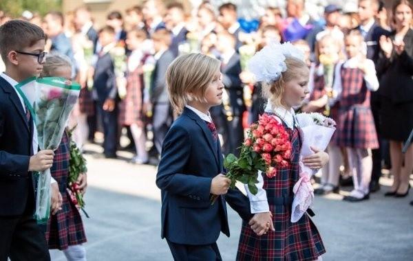 Российские школьники могут пойти в школу в августе 2021 года