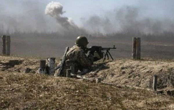 Политолог раскрыл три причины обострения конфликта в Донбассе